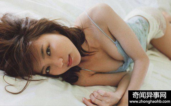 女生一字排开被挑选!韩5成已婚男有婚外性经验