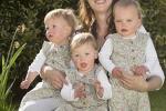 英国女子复孕诞三胞胎 目前宝宝健康状况良好