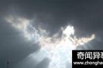 超自然事件 新疆雪域上空现巨大天像图