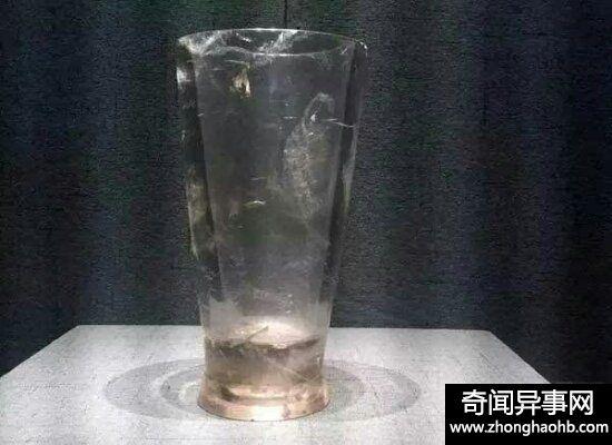 神秘的战国水晶杯现代感十足 有人称是穿越者带