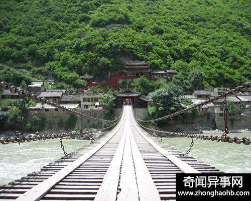 飞夺泸定桥